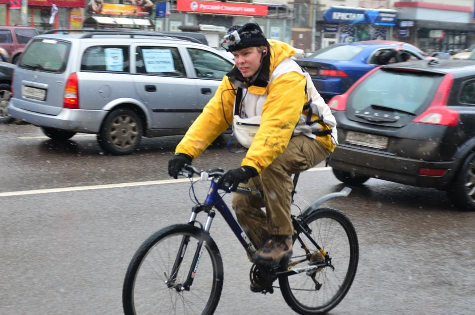 «Белый круг» — корреспондент Kreml.tv замкнул садовое кольцо на велосипеде 8-)