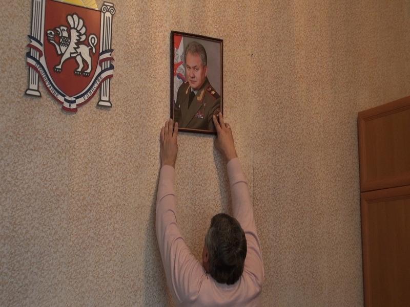 Крым: феодосийские военные получают российские паспорта