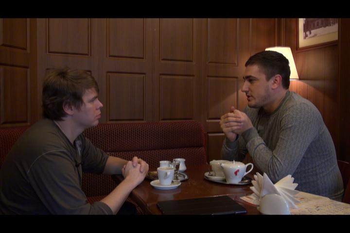Олег Болдырев рассказывает телеведущему Филиппу Леонтьеву о причинах возвращения в Луганск